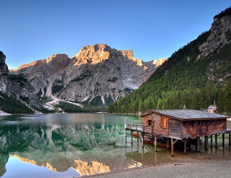 Il Lago di Braies è solo la prima tra le fantastiche destinazioni di montagna che vi proponiamo